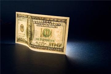 黄金创新低 美元大幅走强