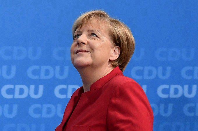 黃紹山:德國成功挽救內政部長