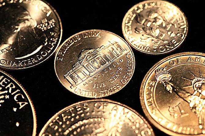 美元震荡修正,黄金晚间或借机反弹